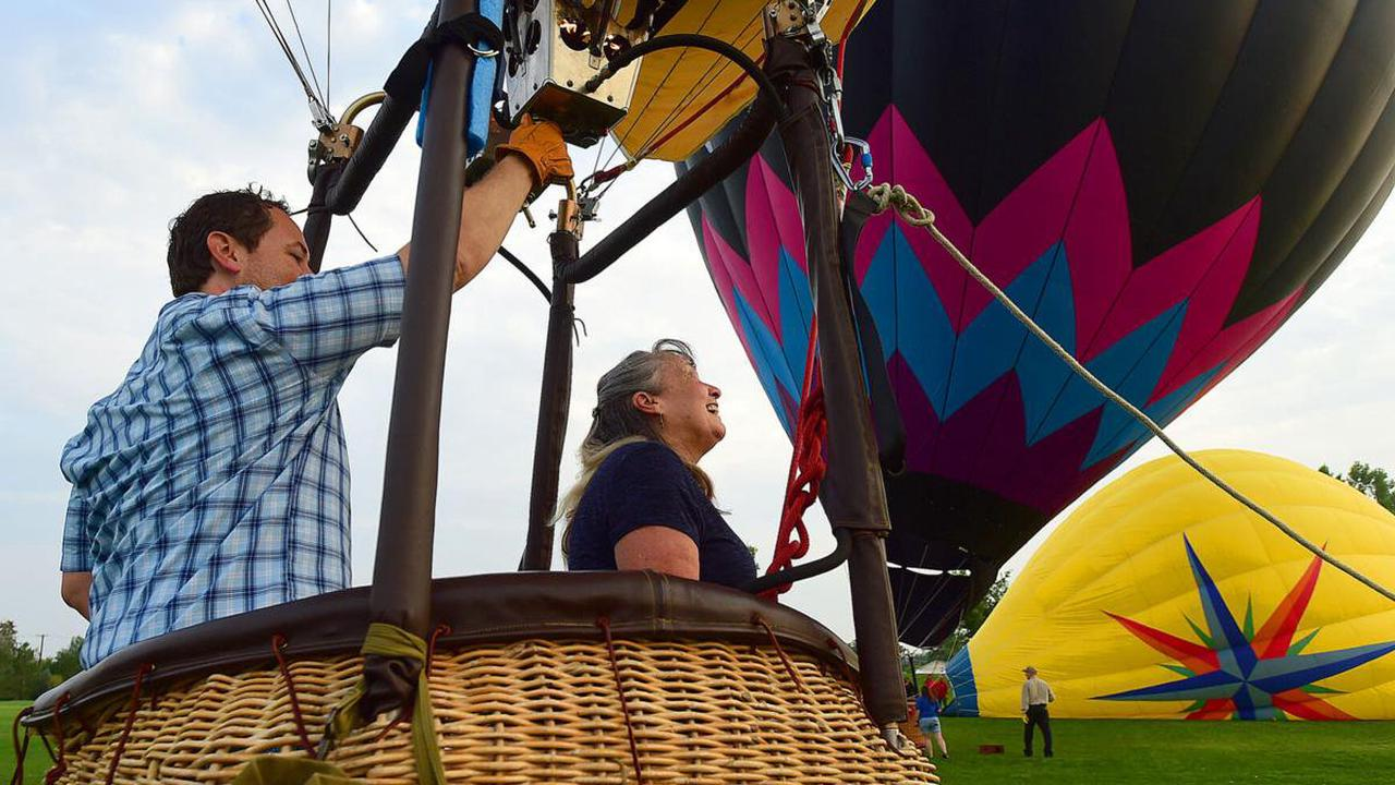 Retired nurse who assisted with COVID triage receives 'bucket list' balloon ride