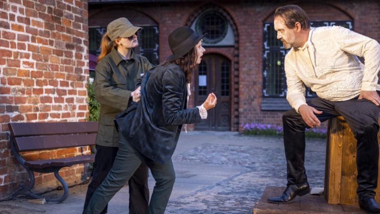 Rathausgarten wird ab Donnerstag zur Theaterbühne