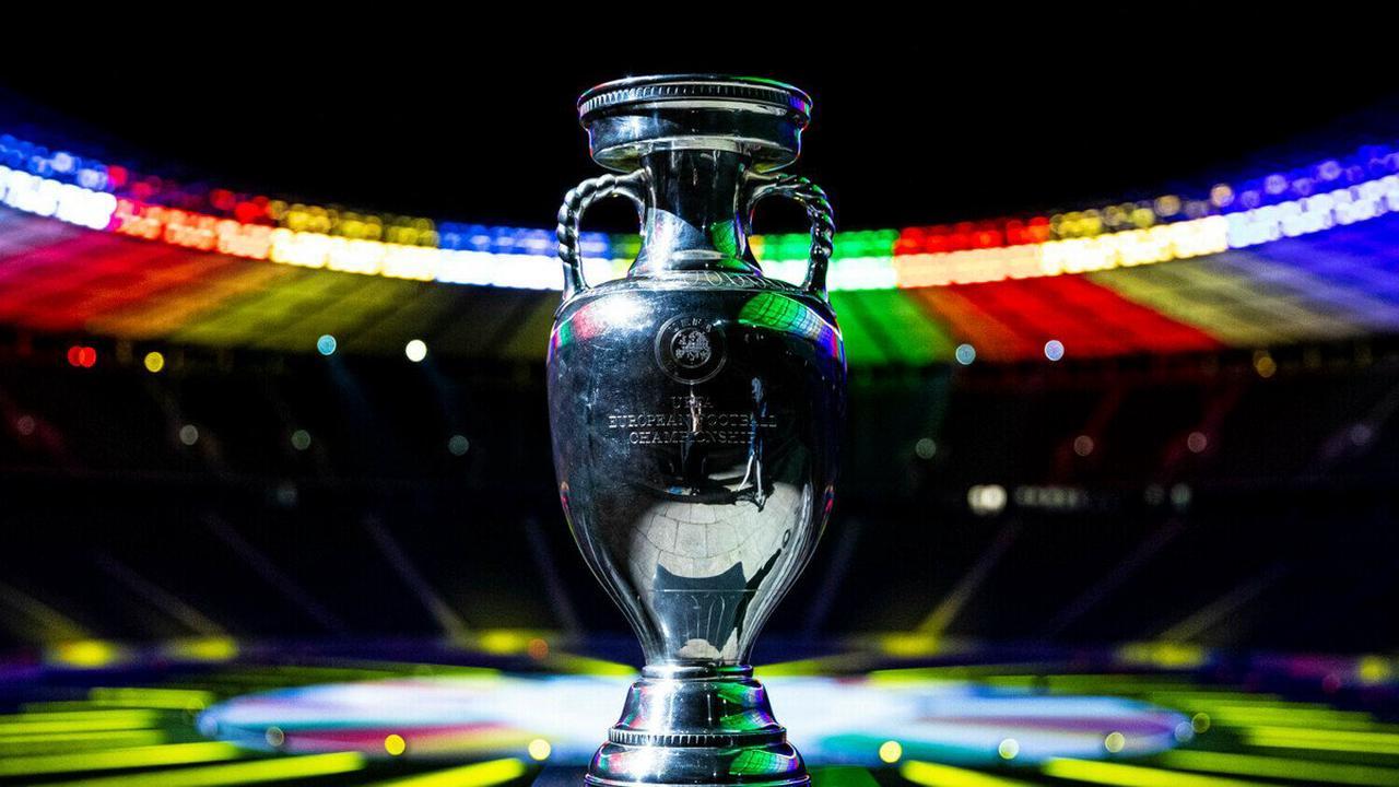 Unmittelbar vor EM-Spiel: Autobombe in Rom entschärft - wenige Häuserblocks von Stadion entfernt