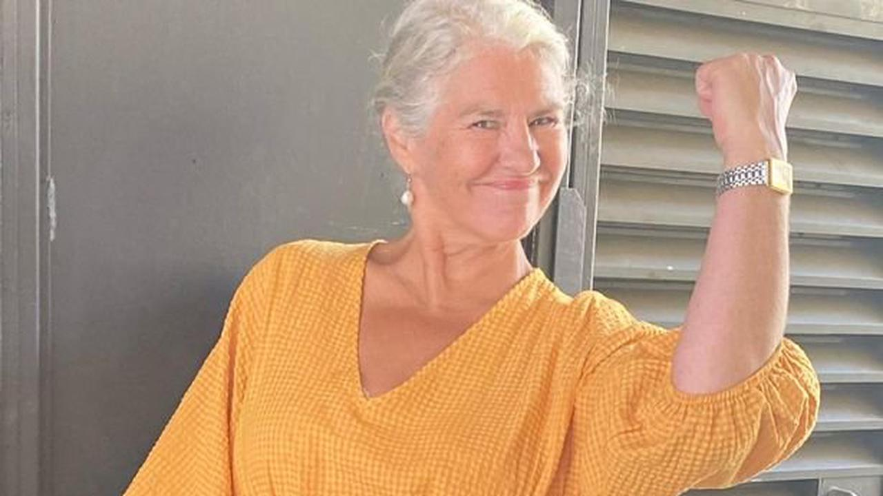 Coronation star Denise Black strips naked to prove she loves her body at 63