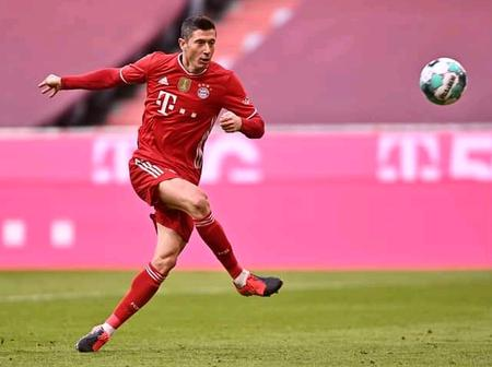 Lewandowski Grabs A First Half Hat Trick And Guides 10 Men Bayern To Victory