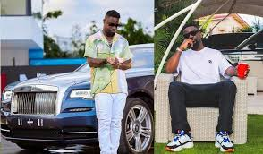 The top 10 richest musicians in Ghana in 2021, as well as their net worth