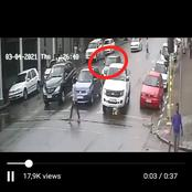WATCH VIDEO: Criminals Steals From A Man In The Joburg CBD, Right Infront Of The People