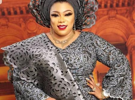 Sophisticated And Glamorous Asoebi Styles For Owambe Weekends