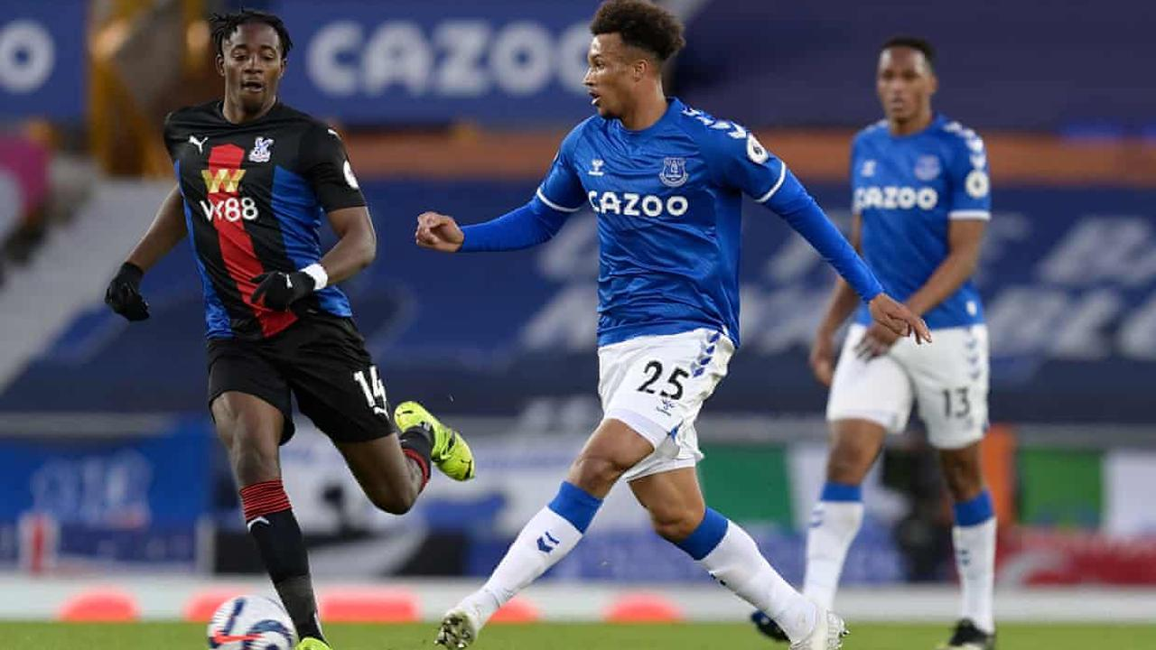 Everton's Jean-Philippe Gbamin faces another layoff after knee injury