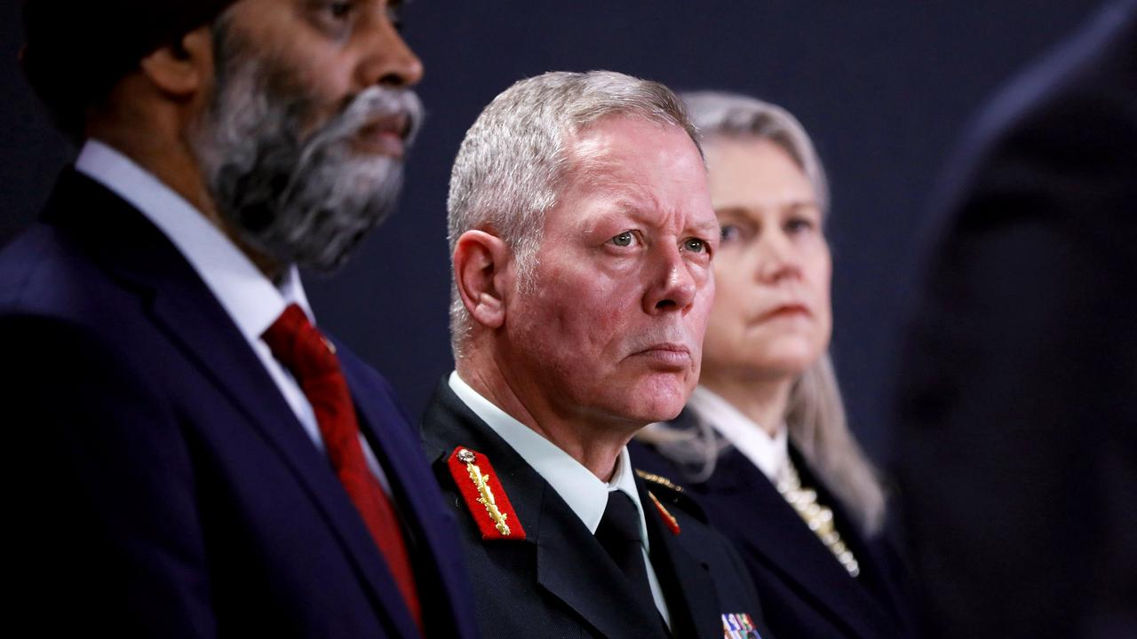 Former chief of defence staff Jonathan Vance charged with obstruction of justice