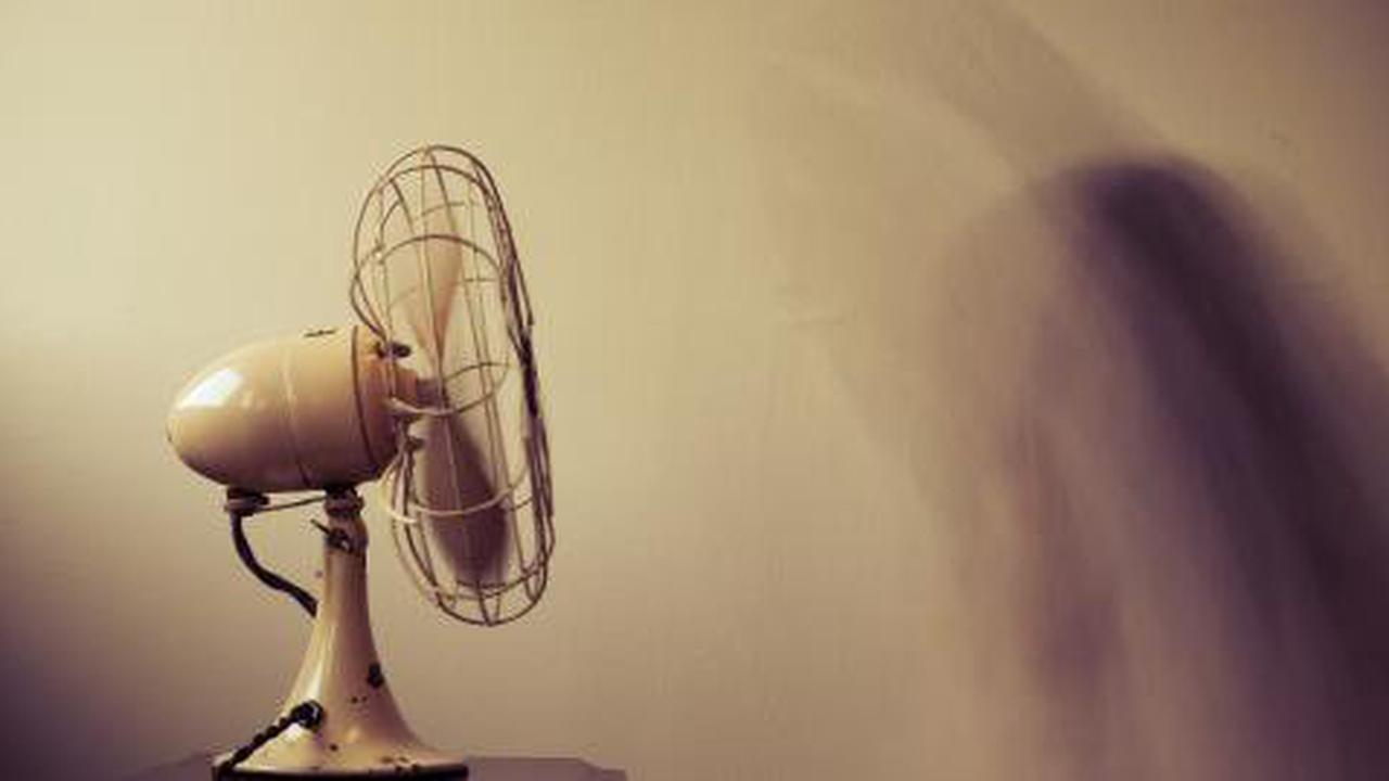 Health minister warns about the risks of using fans during the pandemic
