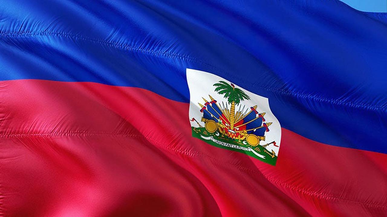Mobilisation contre l'expulsion d'haïtiens sur la place de la Victoire