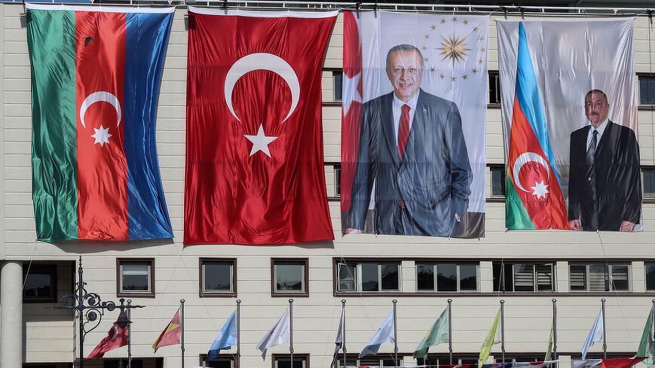 Erdogan, Aliyev cement military and business ties during Karabakh 'victory lap'   Read more: https://www.al-monitor.com/originals/2021/06/erdogan-aliyev-cement-military-and-business-ties-during-karabakh-victory-lap#ixzz6xx8XNHPf