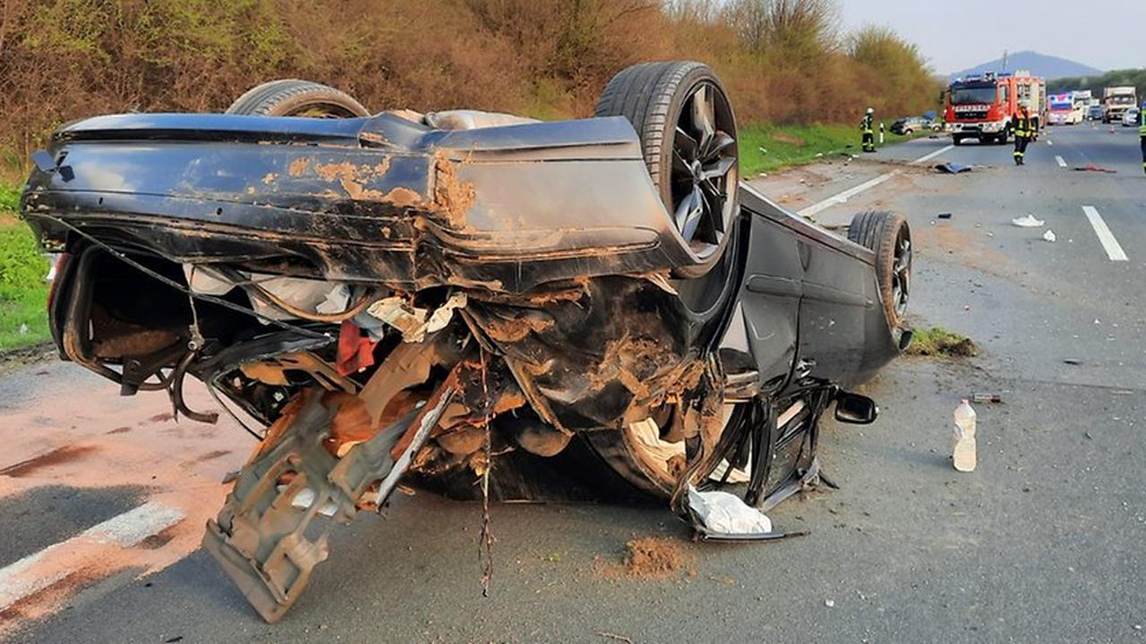 POL-BN: Verkehrsunfall in Königswinter-Eudenbach - Auto überschlug sich