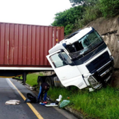 Two Police Died In A Road Accident Caused By A Truck That Passed The Red Light