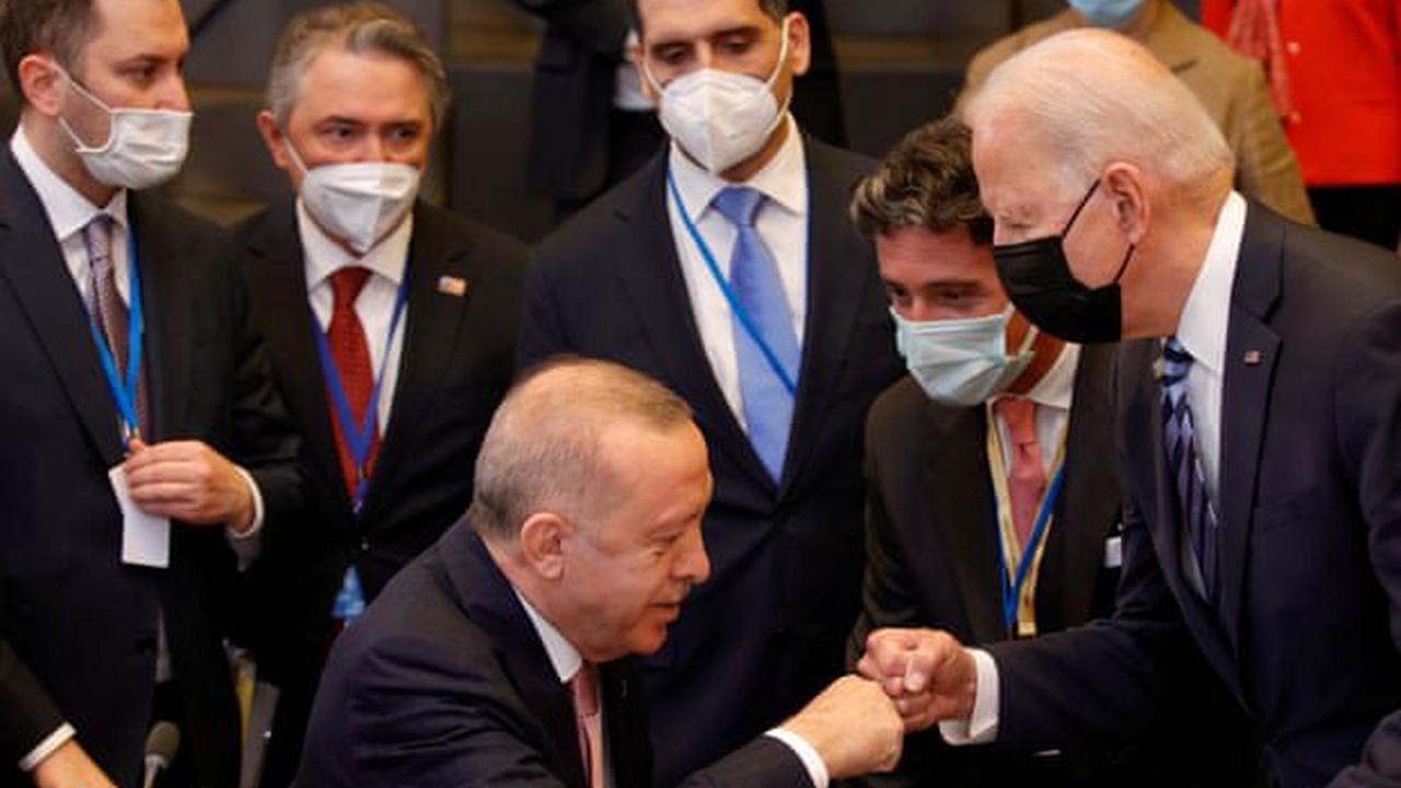 Joe Biden meets Nato leaders and Turkish president Erdoğan – US politics live