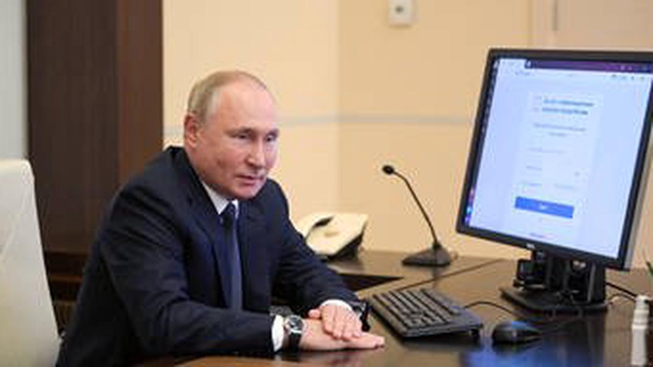 Mega-Wirbel um Putins Uhr bei der Stimmabgabe