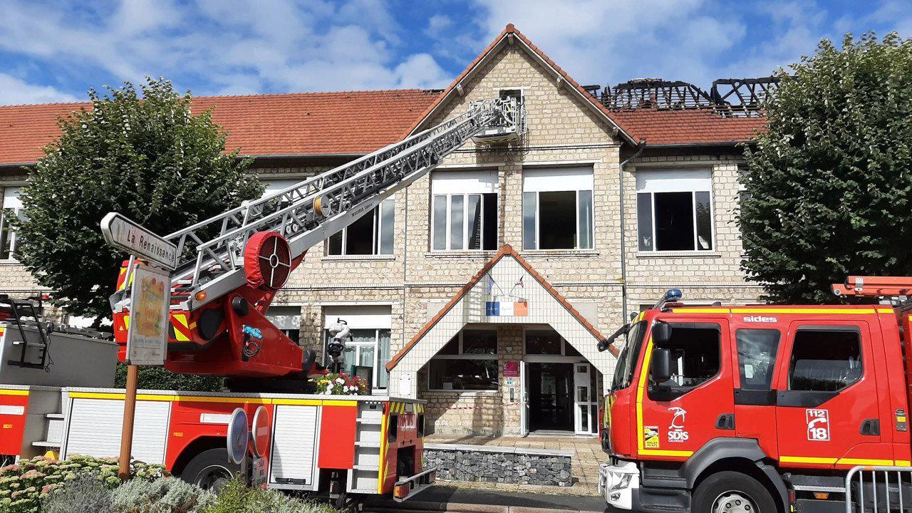 Incendie dans une école à Mondeville : trois salles de classe entièrement détruites