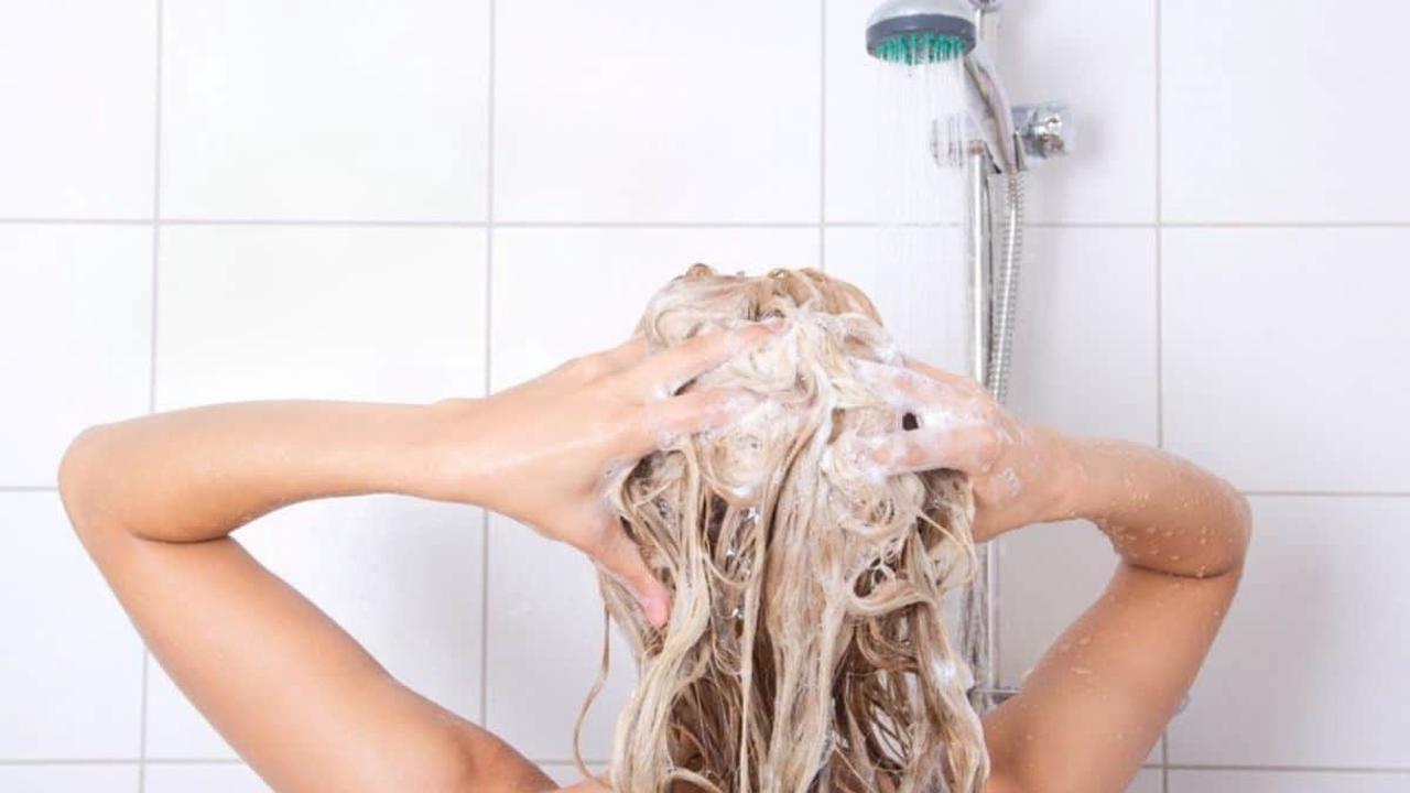 Cheveux: Ces Grosses erreurs que nous faisons tous pour les laver! (à éviter impérativement)