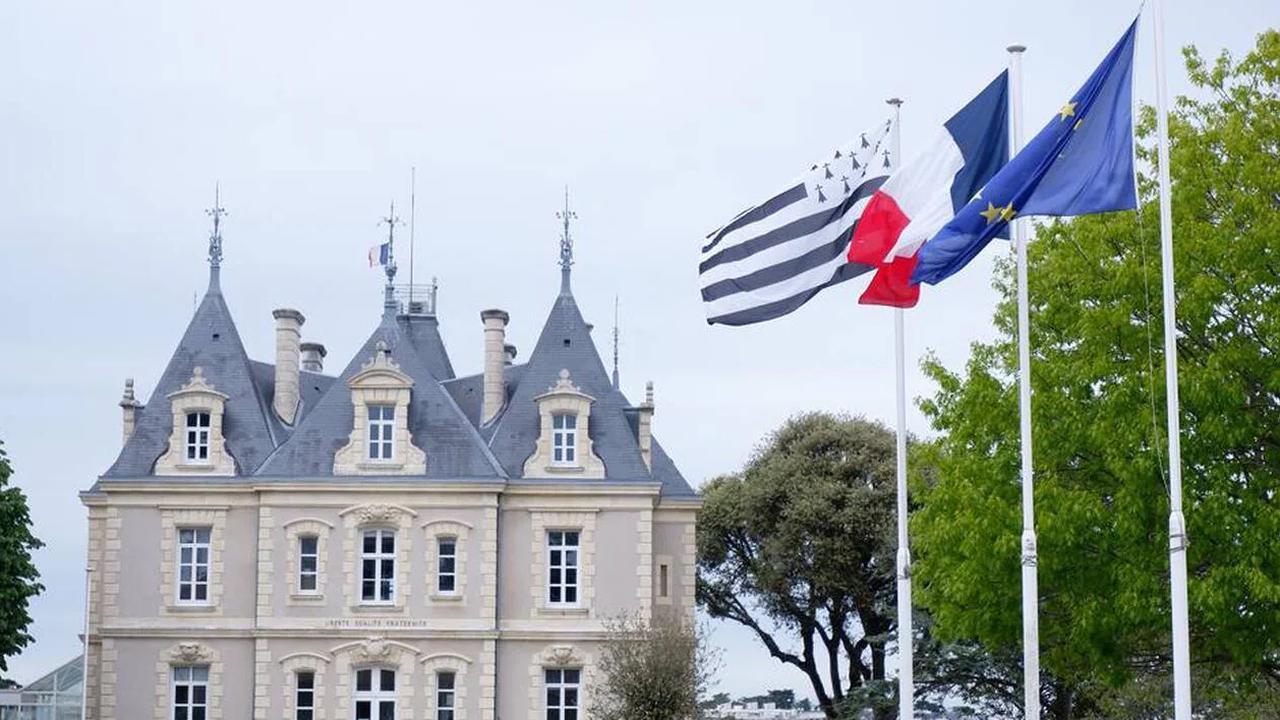 Qui vole les drapeaux bretons au Pouliguen?