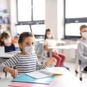 اقتراح.. تعليق المدارس وإلغاء امتحانات نصف العام.. وعمل امتحانات من فتره واحدة لمواجهة كورونا