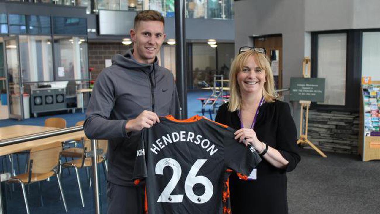 England goalkeeper Dean Henderson visits his former school