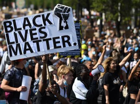 """États-Unis : les retombées du mouvement """"Black Lives Matter"""""""