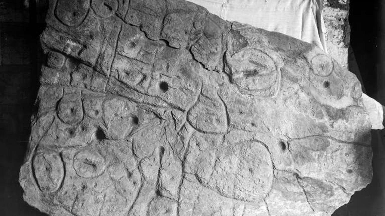 French 4,000-year-old carving is oldest map in Europe: study