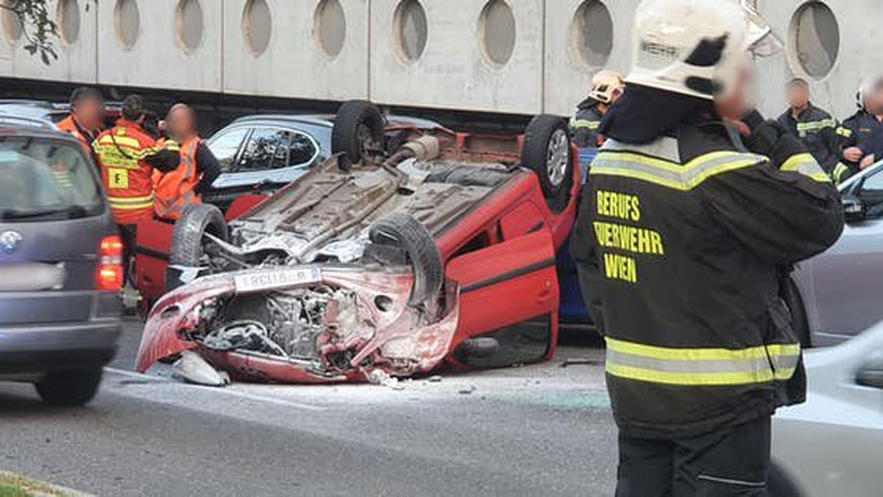 Schwerer Unfall in Wien – Laxenburger Straße gesperrt