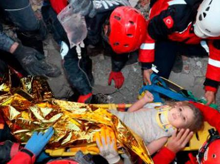 Two Years Old Girl Found Alive After 91 Hours Of Earthquake.