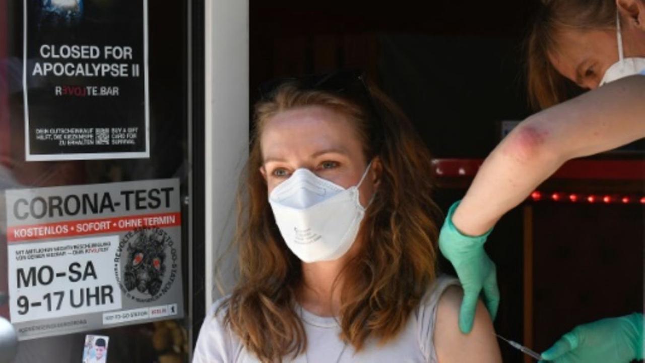 """Ärzte fürchten """"Ansturm"""" auf Praxen beim Wegfall der Impfpriorisierung ab Montag"""