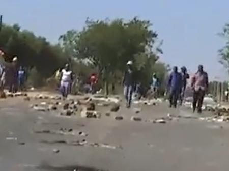 Private security opens fire at land invaders in Rabie ridge, Midrand