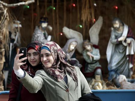 How to Enjoy Christmas as a Muslim