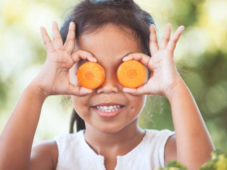Take This 6 Foods To Improve Your Eye Vision