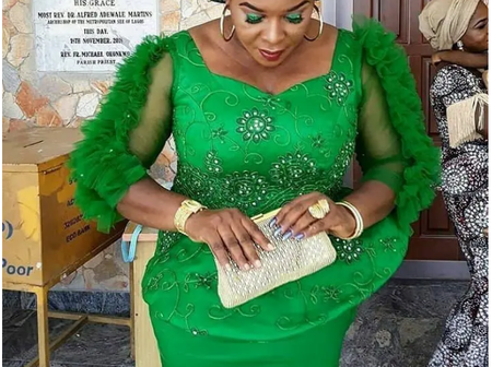 Mothers, Check Out Classy Lace Styles You Can Slay to Events & Look Good (Photos)