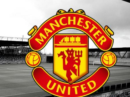 Manchester United's £35,000 per week star signs contract extension until 2025