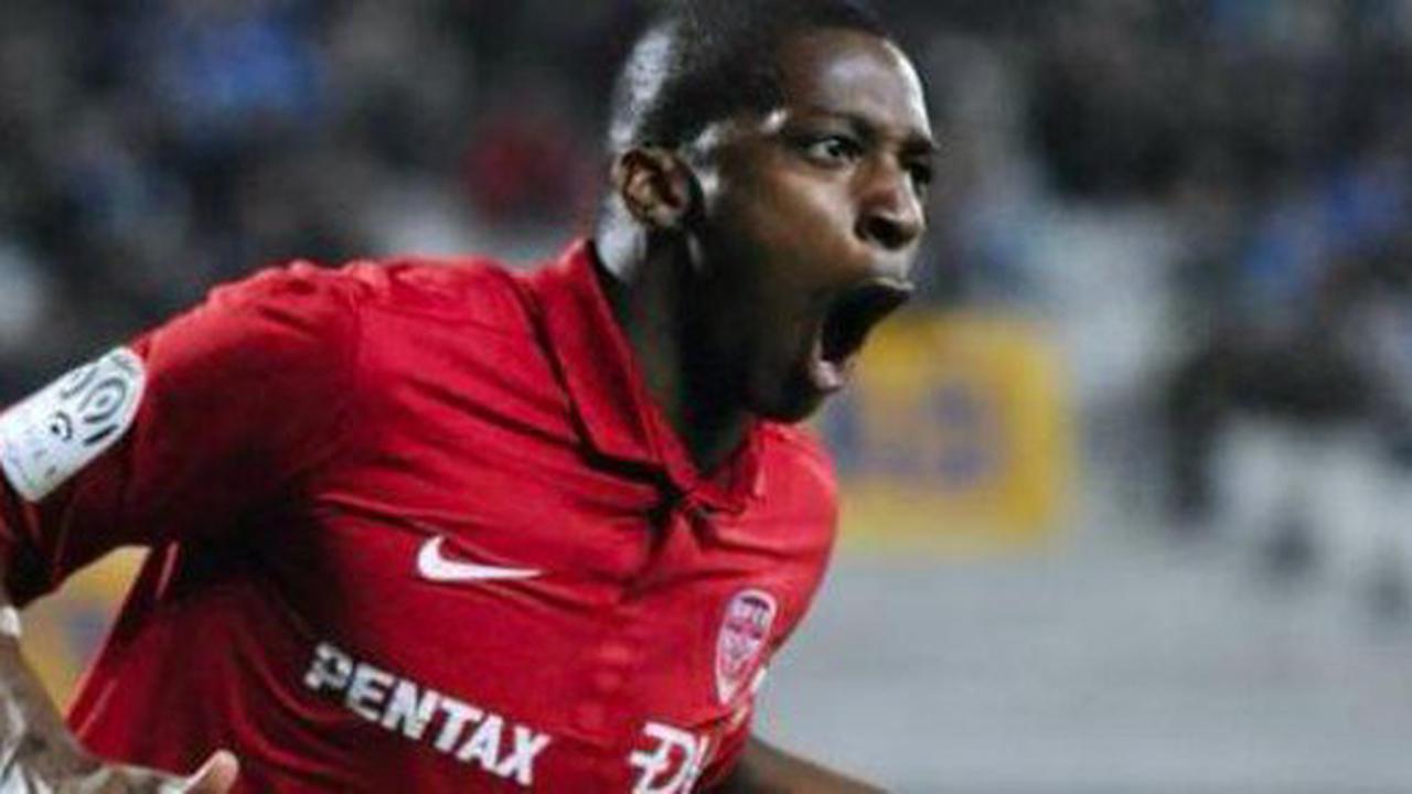 Mercato : l'ancien joueur des Girondins Younousse Sankharé intéresse Giresunspor