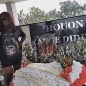 Olokpatcha s'attire la colère des internautes suite à une vidéo faite sur la tombe de Dj Arafat