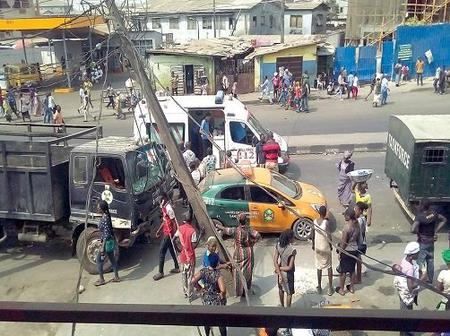 Five injured as drivers Face Lagos Task Force