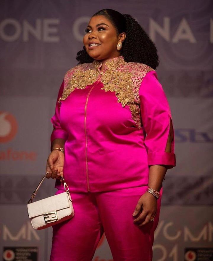 da8ea8e8c4aa993debabf8da39a14a34?quality=uhq&resize=720 - As Usual They Went There To Slay! Checkout Some Beautiful Outfits Your Female Celebs Wore To VGMA21