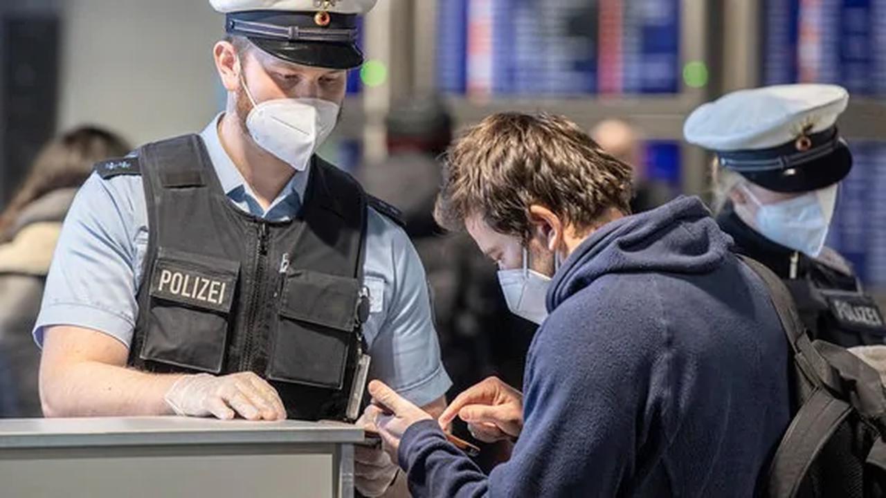 Corona-Ticker: Testpflicht für ungeimpfte Reiserückkehrer in Kraft