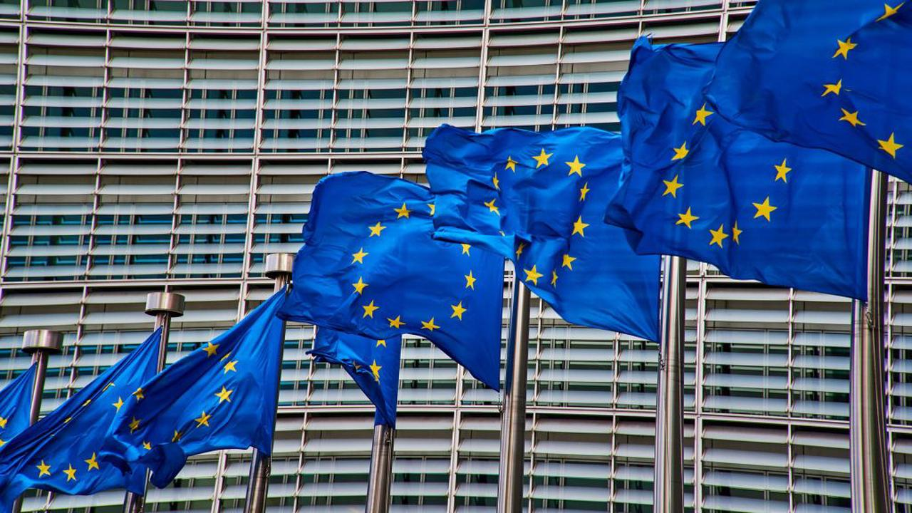EU seeks to extend free mobile roaming for another decade
