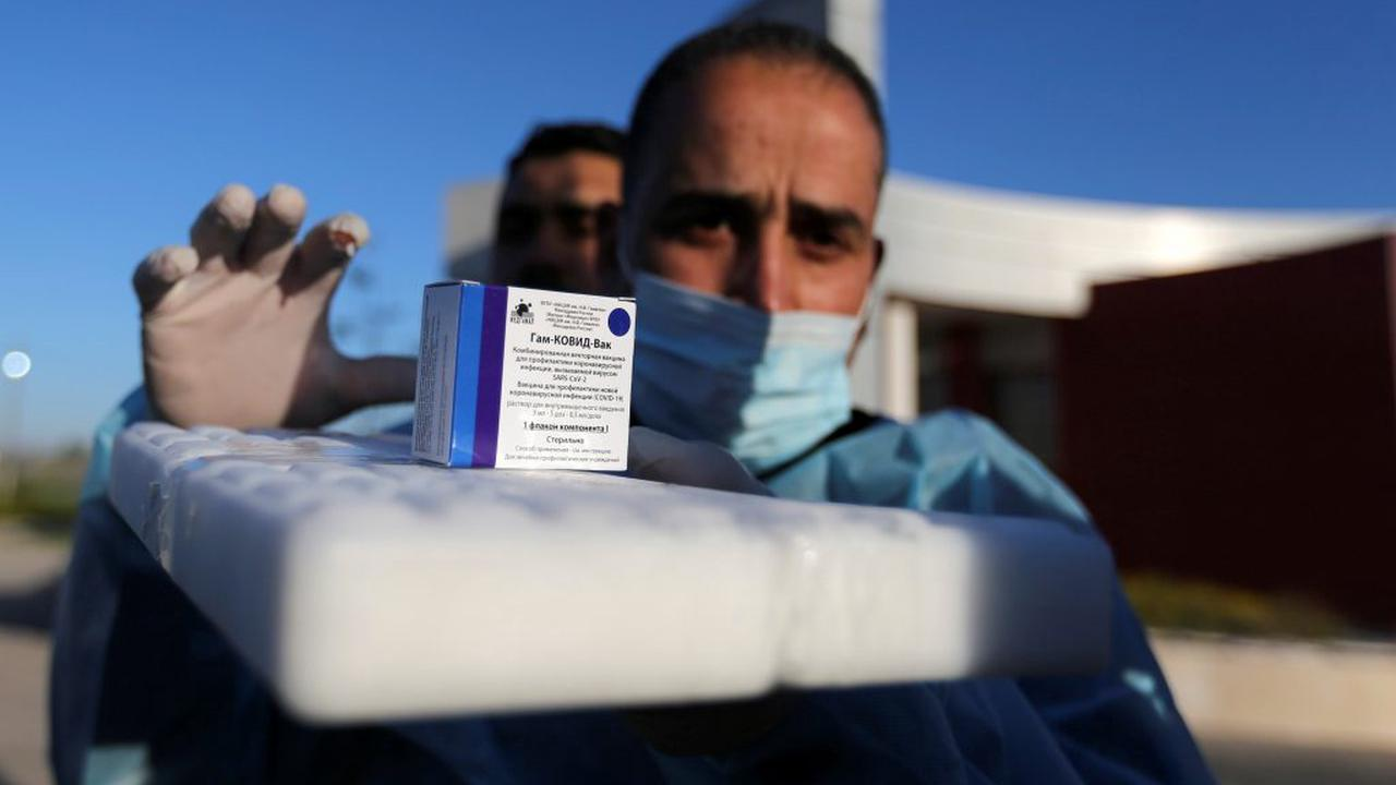 Israel Vaccinating Palestinian Workers Against COVID-19