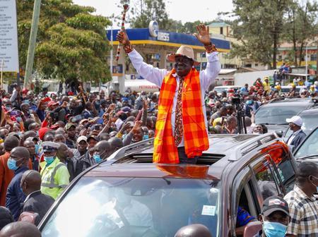 Comparison Between Raila Odinga's Crowd in Narok And Ruto's in Ol-kalau (Photos)