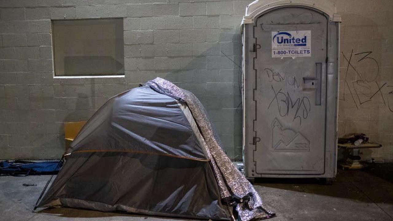 Federal court pauses order to offer shelter to everyone on L.A.'s skid row by fall