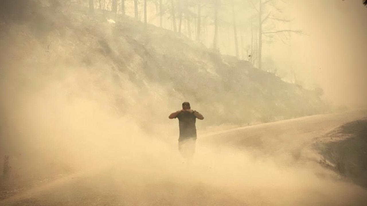 Kampf gegen Brände in Griechenland und der Türkei geht weiter