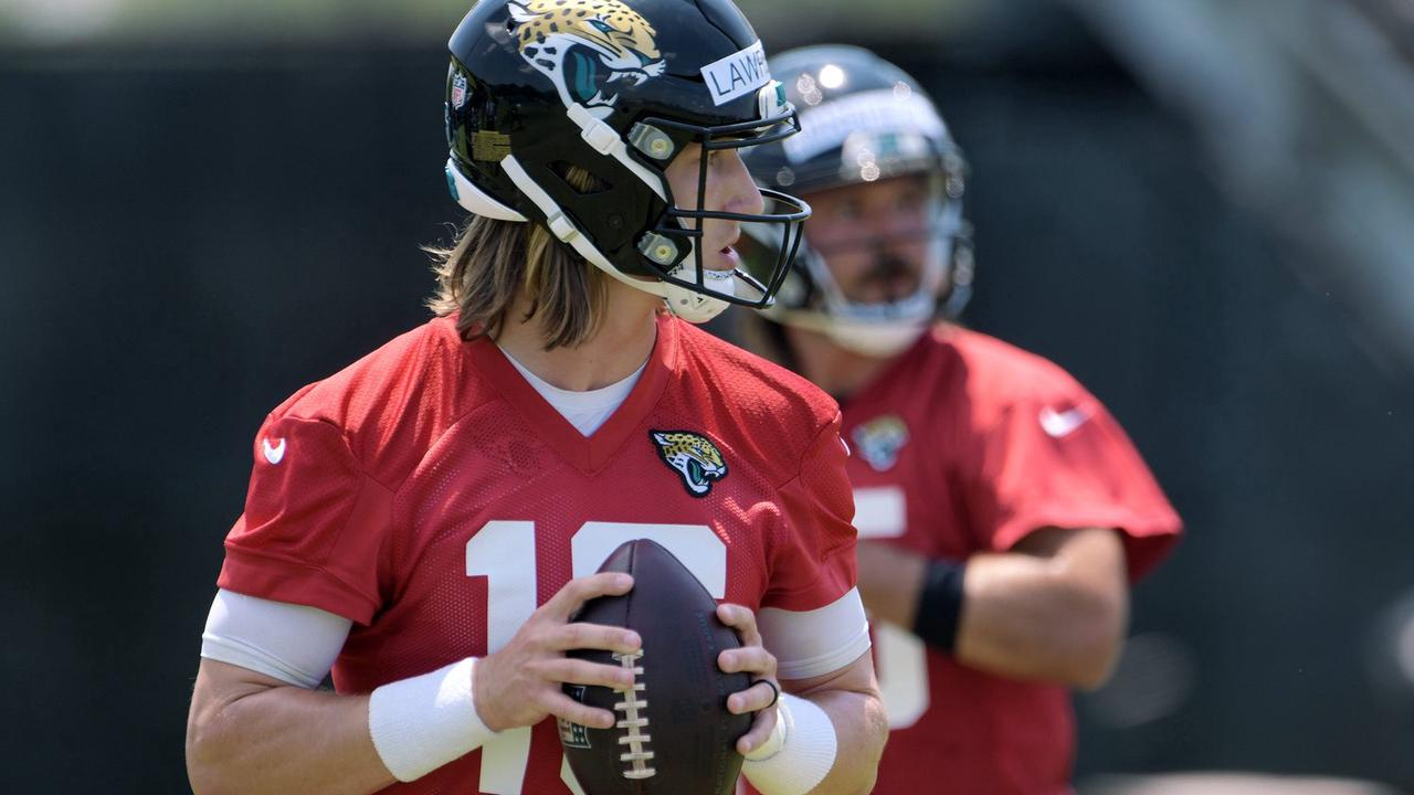 Jags' Lawrence (hamstring) limited in minicamp