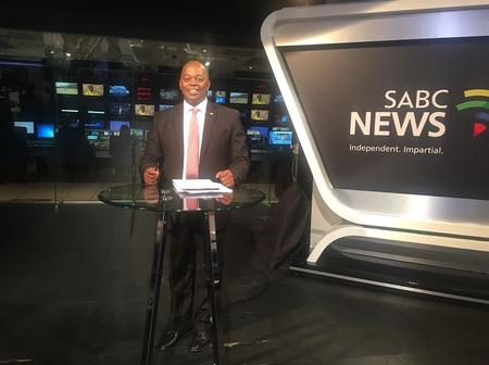 People On Twitter Are Fuming As Peter Ndoro And Other Foreign News Readers Survived The SABC Retrenchment.