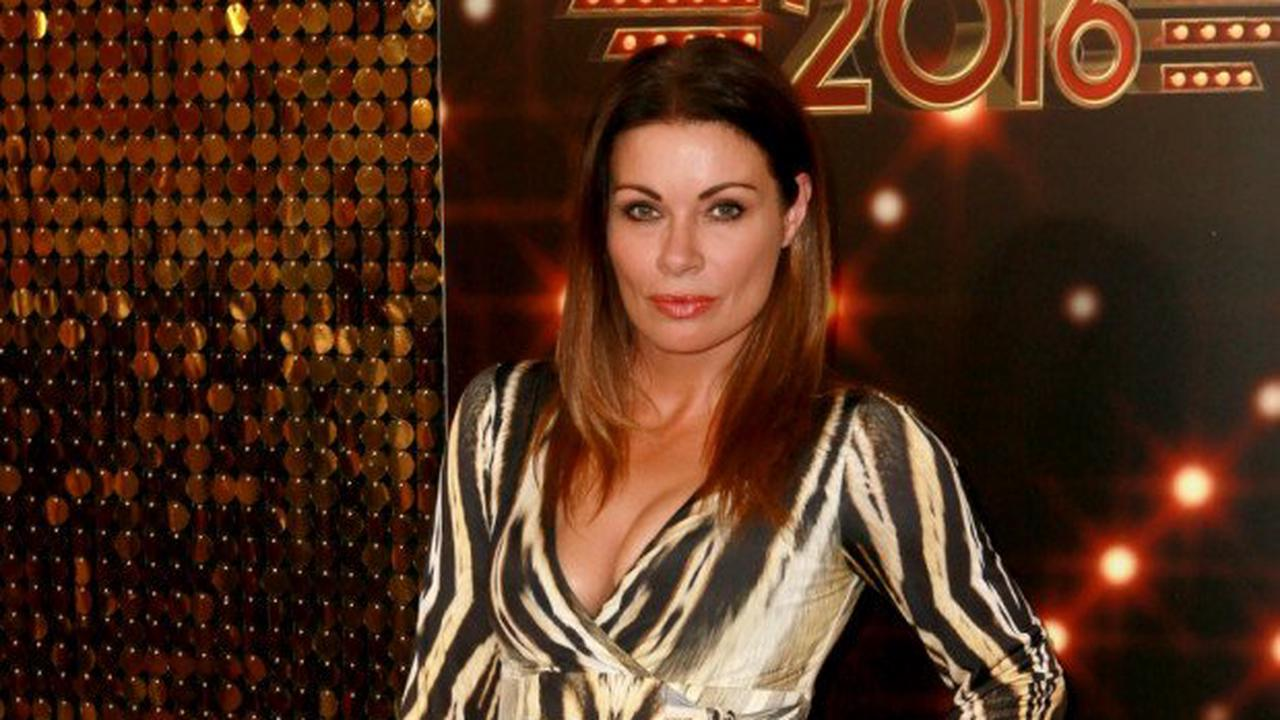 Carla Connor offers to call off Corrie wedding