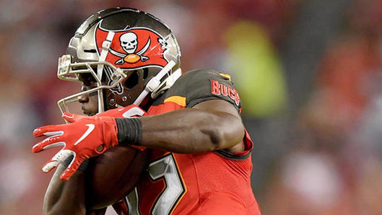Buccaneers' Chris Godwin: Logs limited showing Wednesday