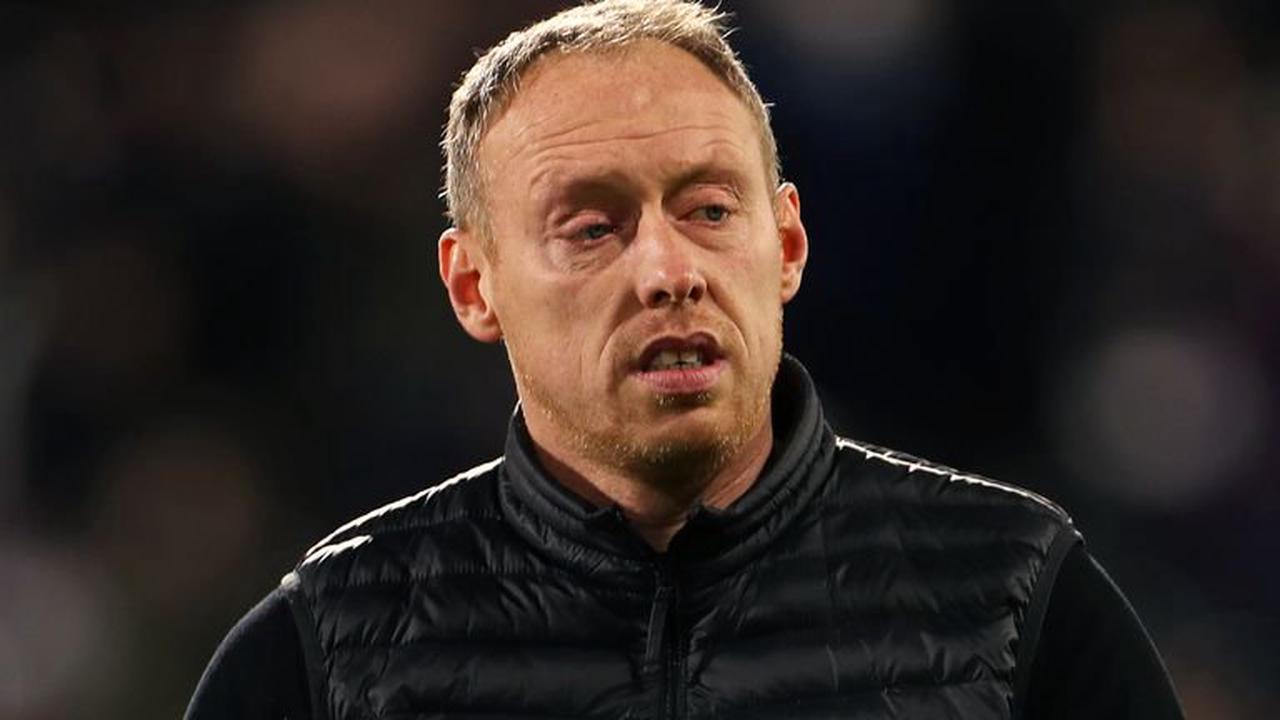 Buendia stars in Villa win; Spurs ease past Colchester