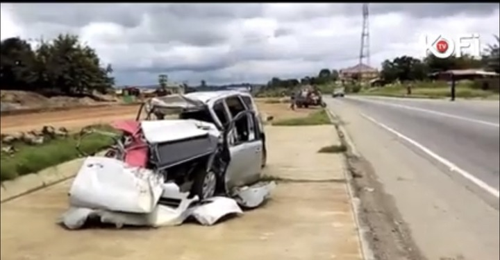 de76297a29e8087dbfe044b168438c36?quality=uhq&resize=720 - Pastors spotted praying against accident on the Accra to Kumasi Highway (Video)