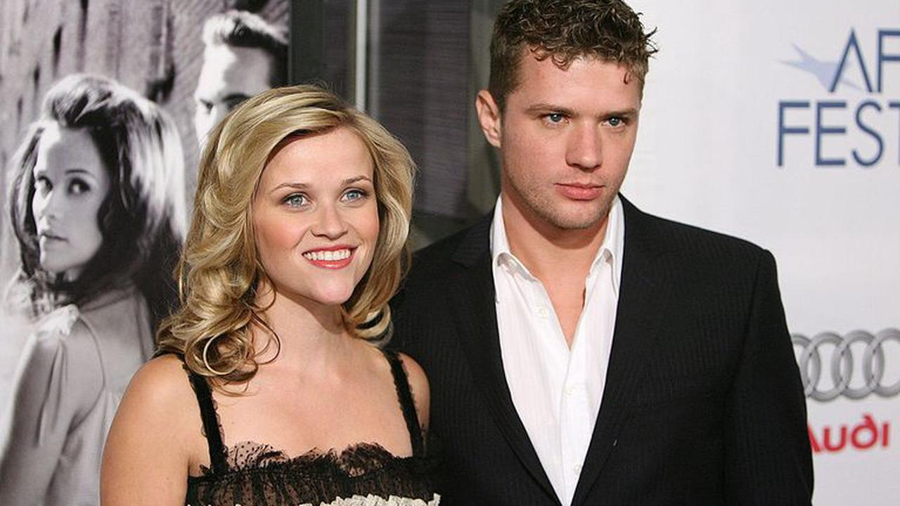 Reese Witherspoon Recalls Ex Ryan Phillippe's 'Money' Comment At 2002 Oscars
