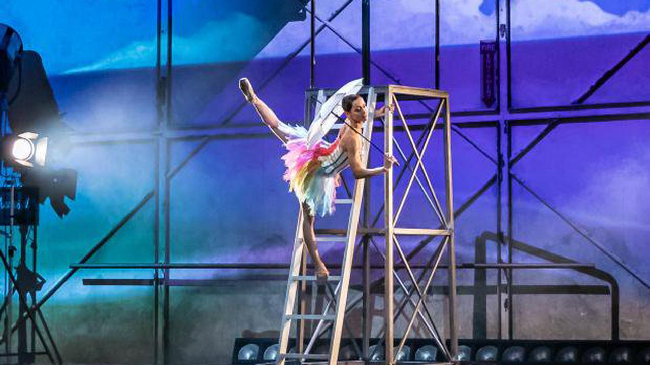 A glorious reimagining of Gene Kelly's love letter to ballet